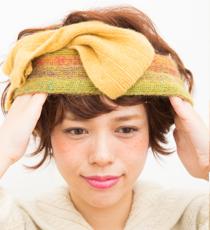 前髪とサイドを少し残して、ターバンを下からかける。
